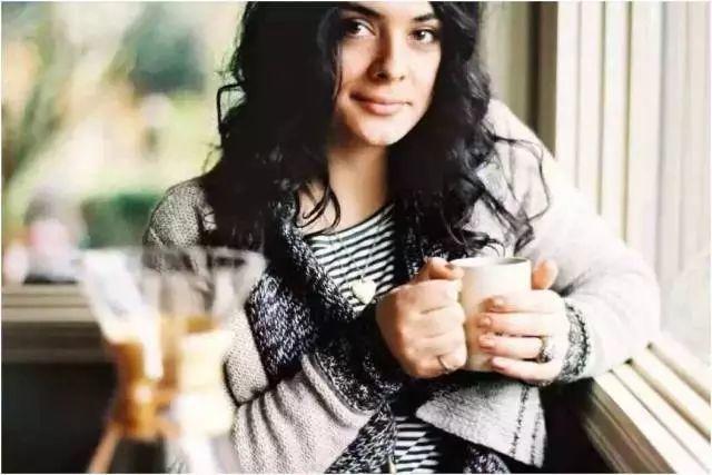 不会拉花没关系!跟着世界级咖啡大师学做百变花式咖啡!