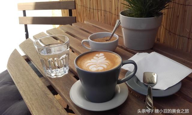 一组拉花咖啡的欣赏,献给同样爱咖啡的你!